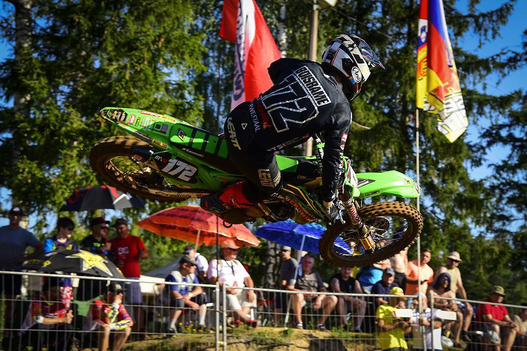 Coldenhoff e Vialle vencem o MXGP da Letônia na ensolarada Kegums