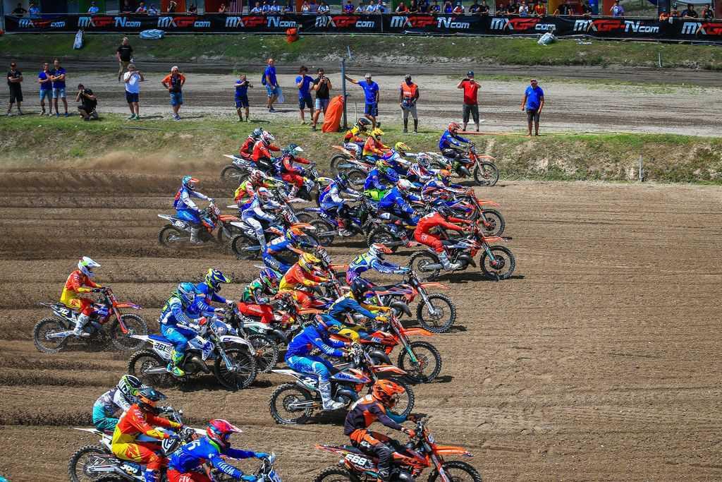 Adiado Campeonato Mundial de Motocross Júnior FIM