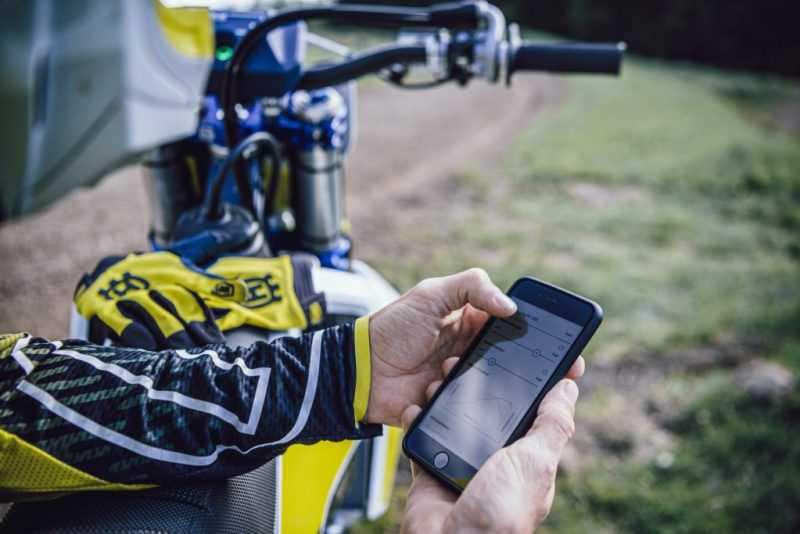 Husqvarna apresenta aplicativo para motos offroad 2021