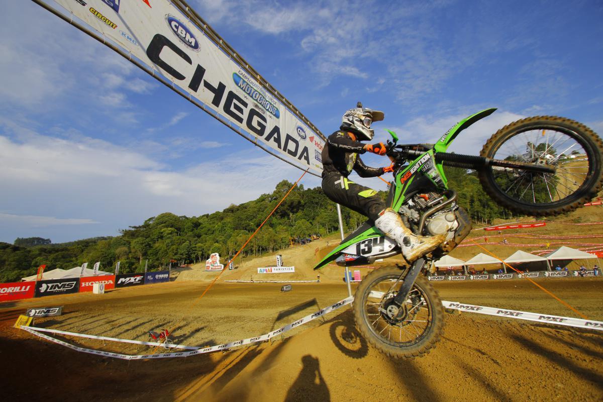 Dobradinha: Paulo Alberto é campeão brasileiro na MX1 e na Elite MX