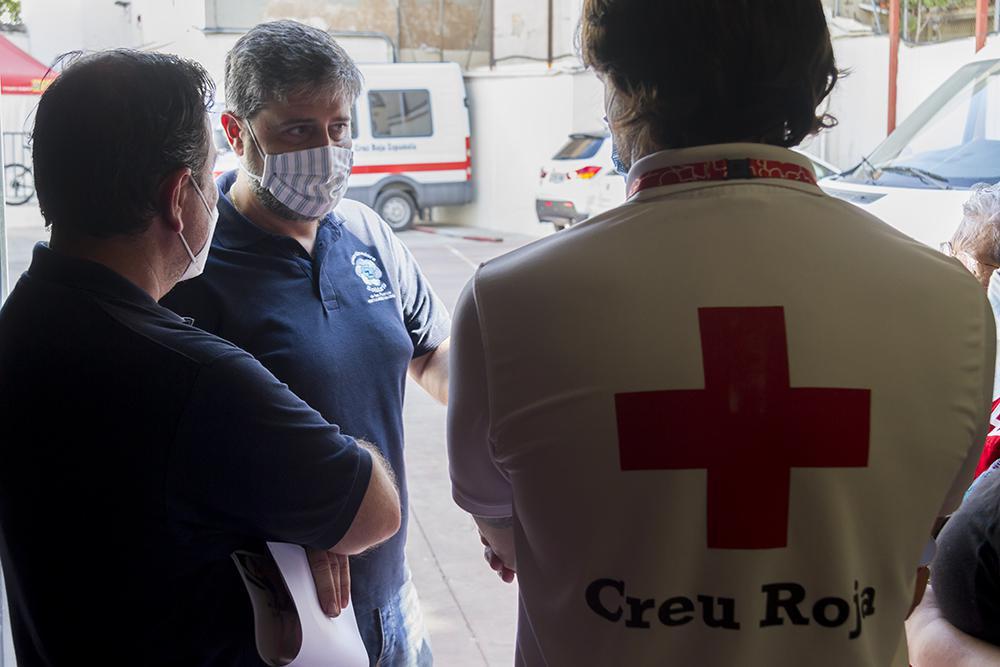 """Los estibadores valencianos impulsan con su """"jornal solidario"""" el Plan Cruz Roja Responde"""