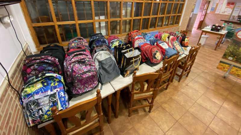 Coordinadora Solidaria entrega 110 mochilas con material escolar a las familias usuarias del Puchero