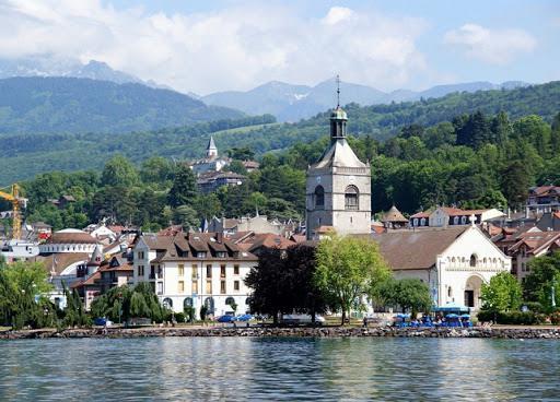 بلدة ايفيان - فرنسا