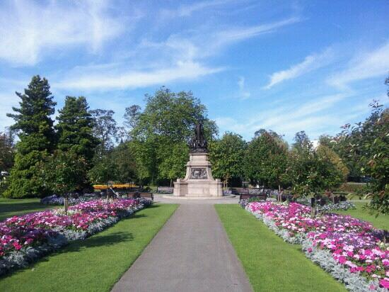منتزه كانون هيل بارك Cannon Hill Park