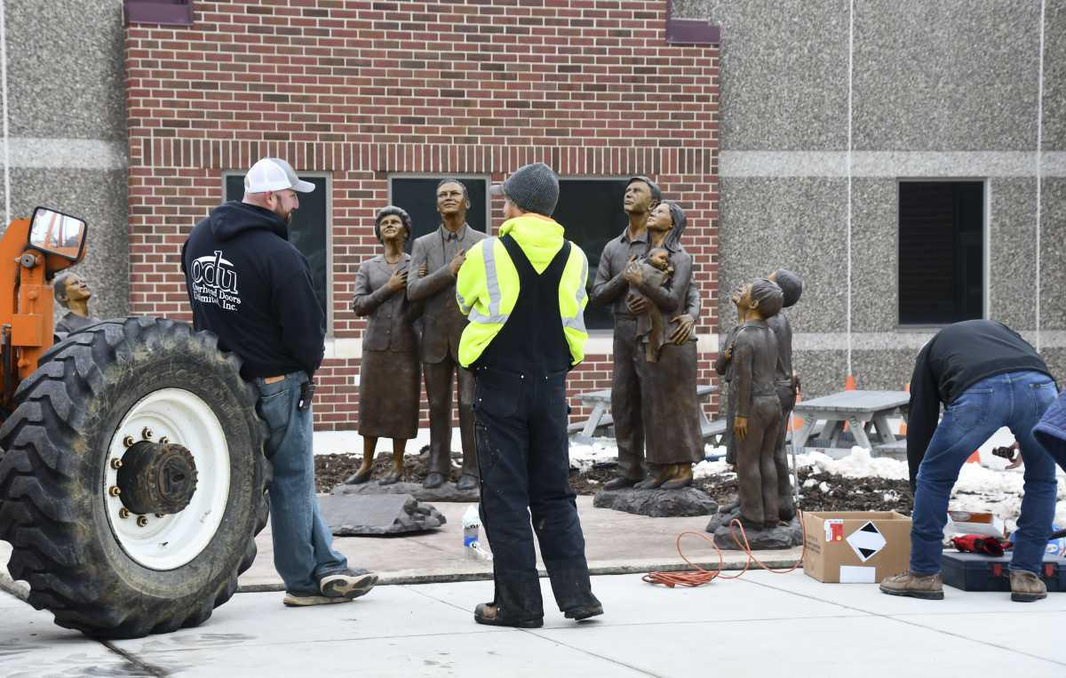 Memorial Statues Installed!