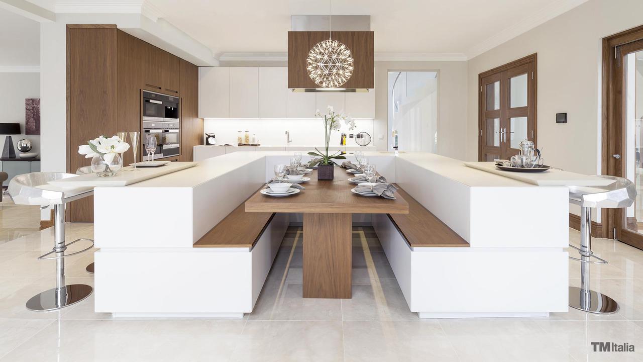 Cucina in legno con isola a U