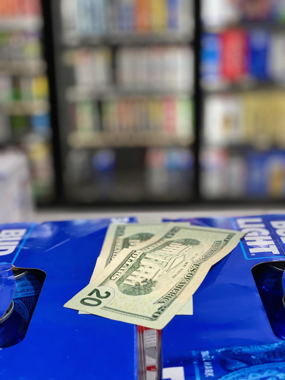 SUPER LIQUOR---$$$40$$$--- Blue Green Plaza