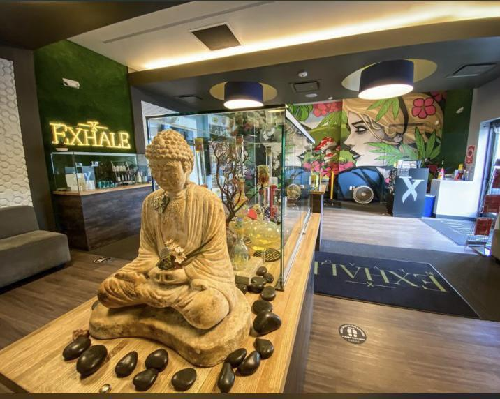 Hey Vegas Drivers looking for a little extra $$$ jingle in your pocket this weekend? Exhale Dispensary is offering all weekend long $20 Rideshare/Taxis and $25 for Limos/Shuttles! Located at 4310 W. Flamingo Rd. across from Palms Place.