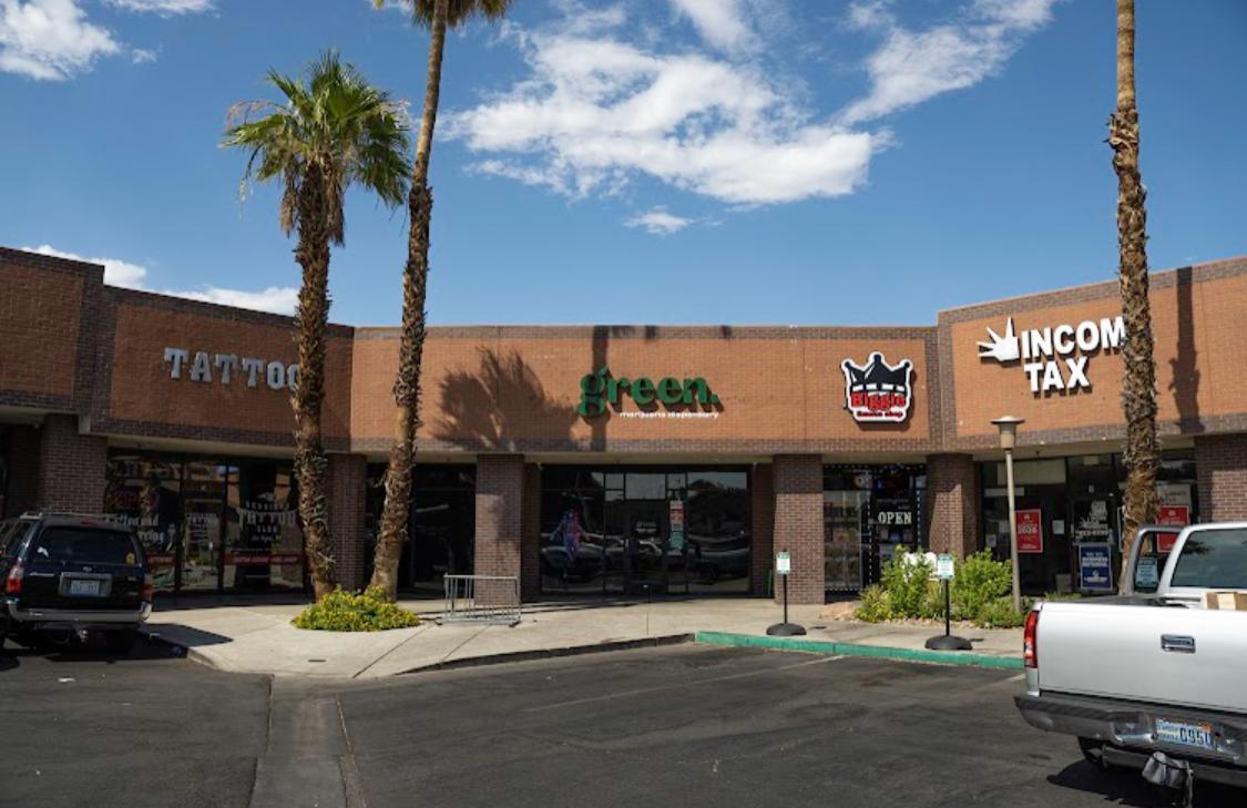 """NEW KICKBACK! Up to $30 per drop at Green Cannabis Co.!! Only two miles west of the Strip - Decatur & Spring Mountain. Hook up your clients with a """"local's secret"""" by taking them to Green for the best dispensary pricing in town!"""