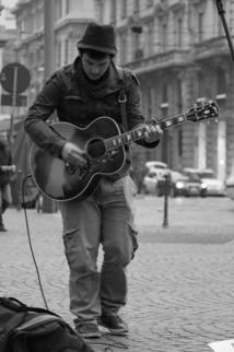 Soltanto: la música, la carretera, vida.