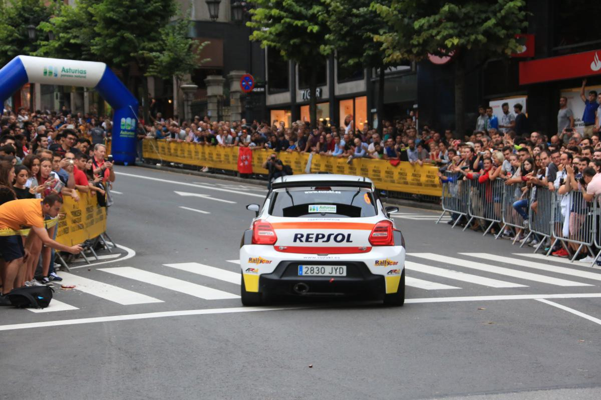 A massive exit ceremony heats the 55th edition of the Rally