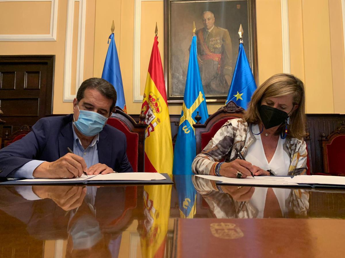 Firmado el Convenio de Colaboración entre el Ayuntamiento de Oviedo y el Automóvil Club Principado de Asturias