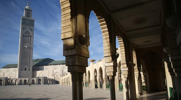 المغرب نموذج في تكريس قيم الإسلام المعتدل في العالم وأفريقيا