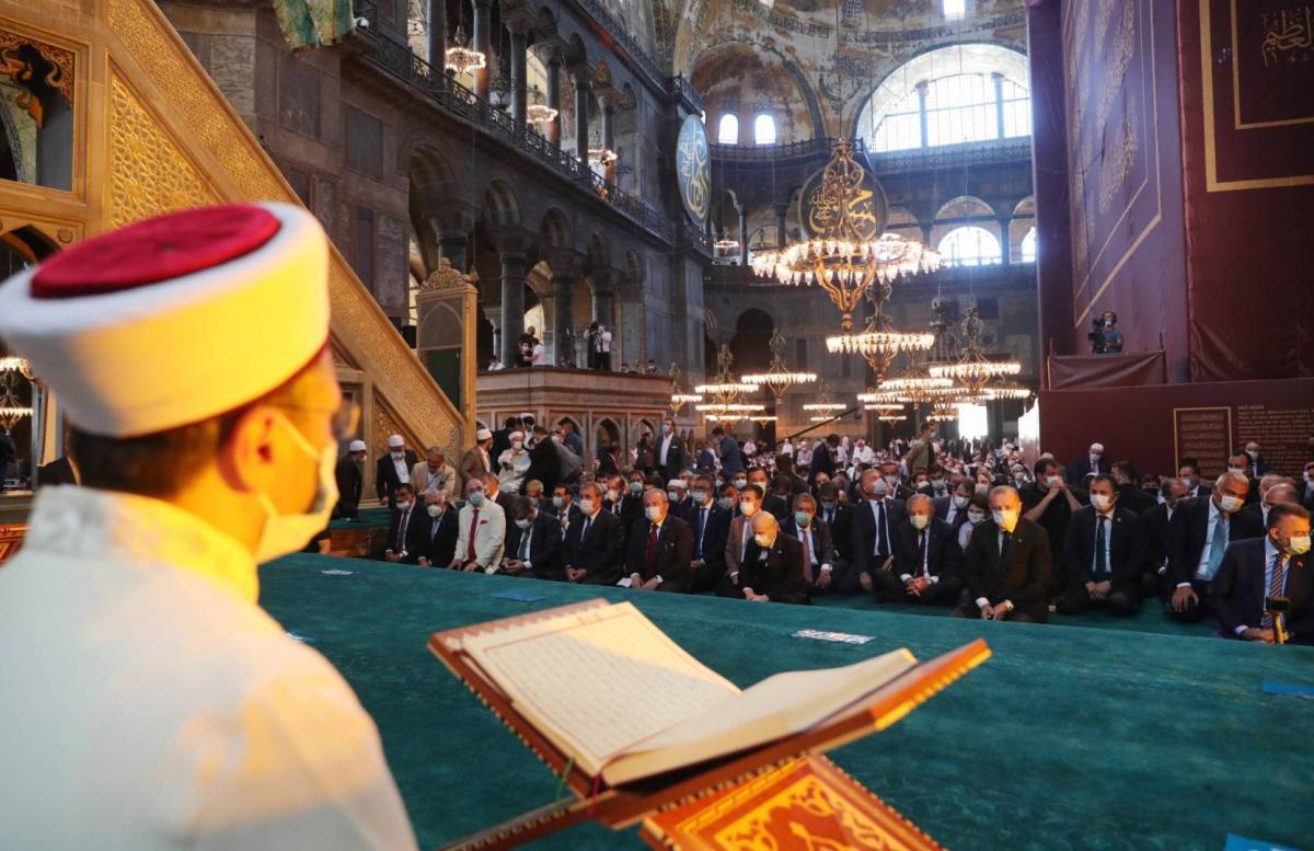 انتقادات لرئيس الشؤون الدينية في تركيا بسبب خطبة الجمعة في آيا صوفيا
