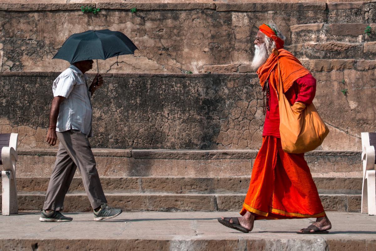 رئيس الوزراء الهندي يضع حجر الأساس لمعبد هندوسي في أيوديا