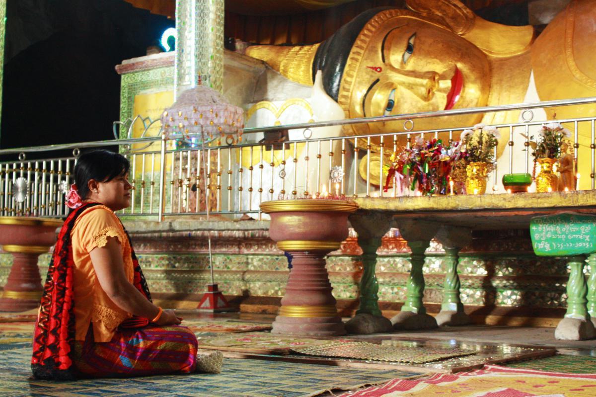 السجن لقس كندي كان يقيم مراسم دينية في بورما رغم الحظر