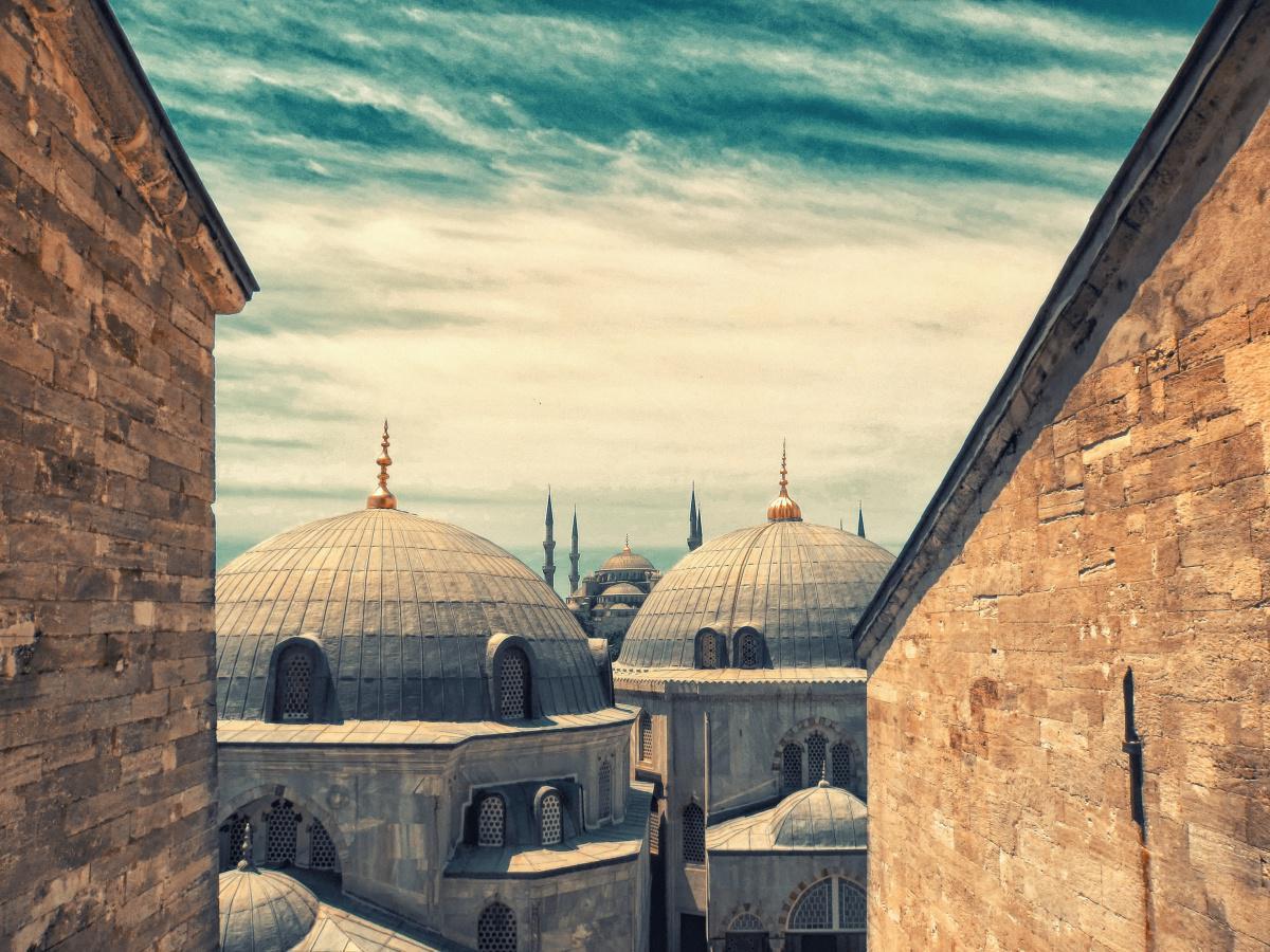 المسلمون في أثينا يخشون تأجيلا جديدا لفتح جامع رسمي لهم بعد تحويل آيا صوفيا مسجدا