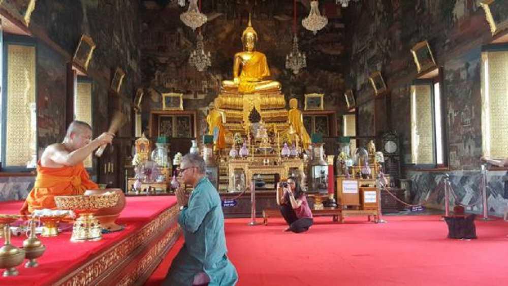 المعابد البوذية تطلق العنان لمخيلتها في تايلاند