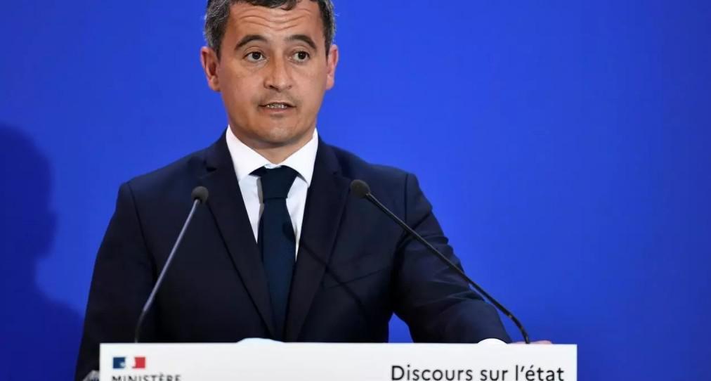 """وزير الداخلية الفرنسي يقول إن بلاده """"في حرب ضد الإرهاب الإسلامي"""""""
