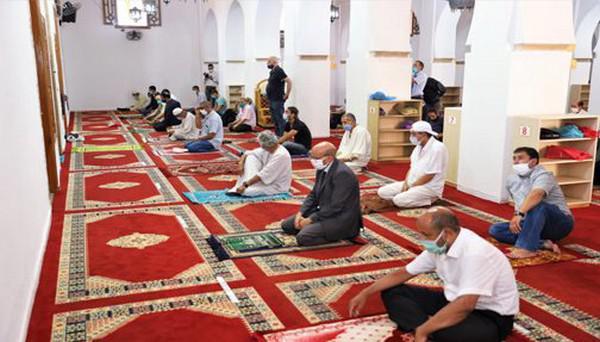 الرفع من عدد المساجد المفتوحة إلى 10 آلاف وإقامة صلاة الجمعة فيها ابتداء من يوم الجمعة المقبل