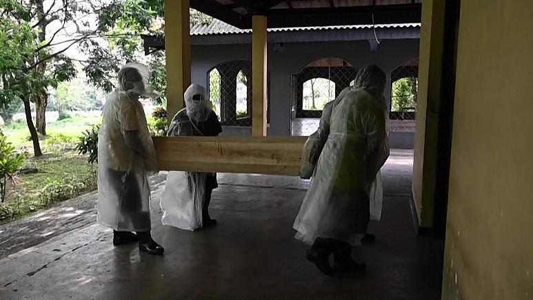سريلانكا تصر على إحراق جثامين كل المتوفين بكوفيد-19 ولا سيما المسلمين