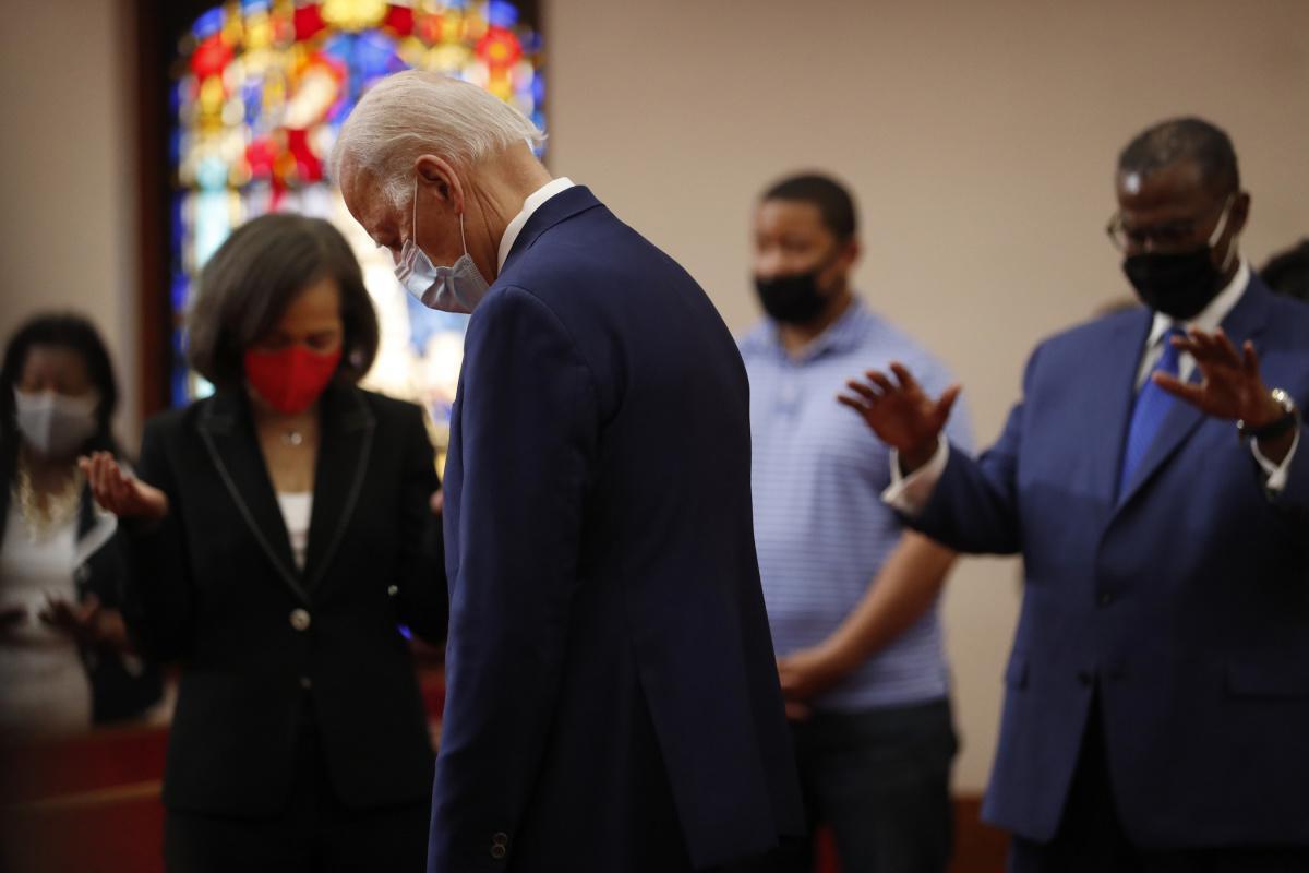 بايدن يدعو الزعماء الجمهوريين والديموقراطيين إلى مشاركته الصلاة قبل تنصيبه