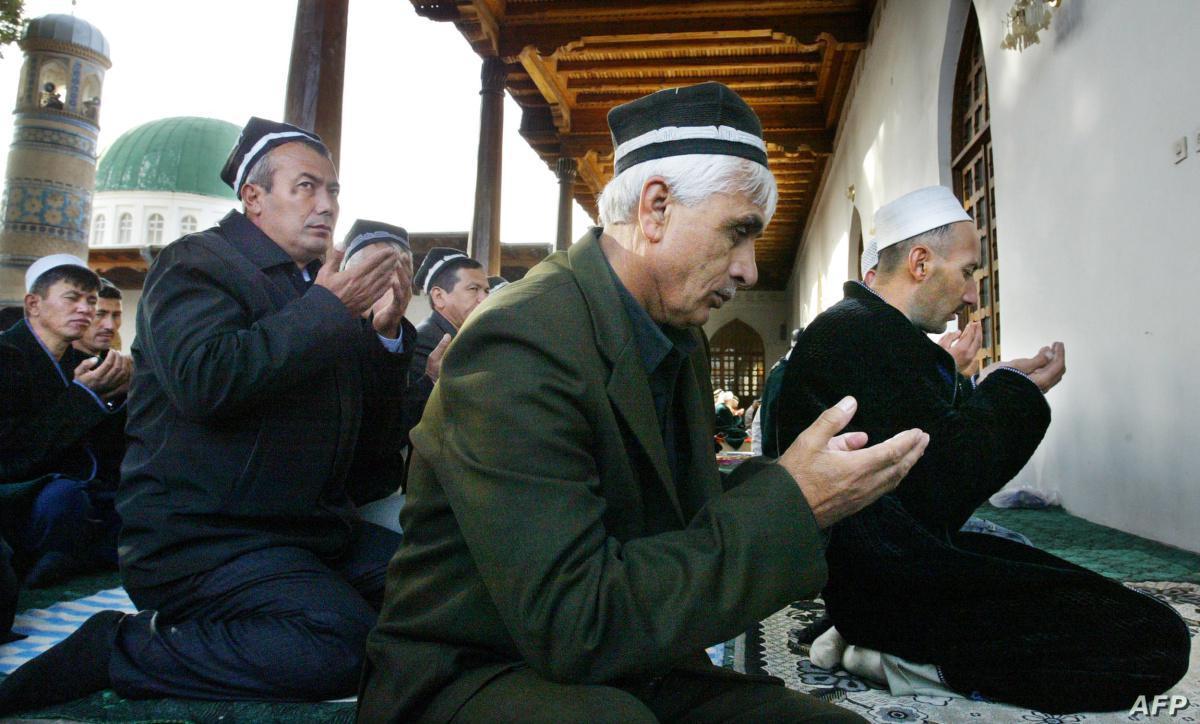 طاجيكستان تعيد فتح المساجد بعد تسعة أشهر من الإغلاق المرتبط بالجائحة