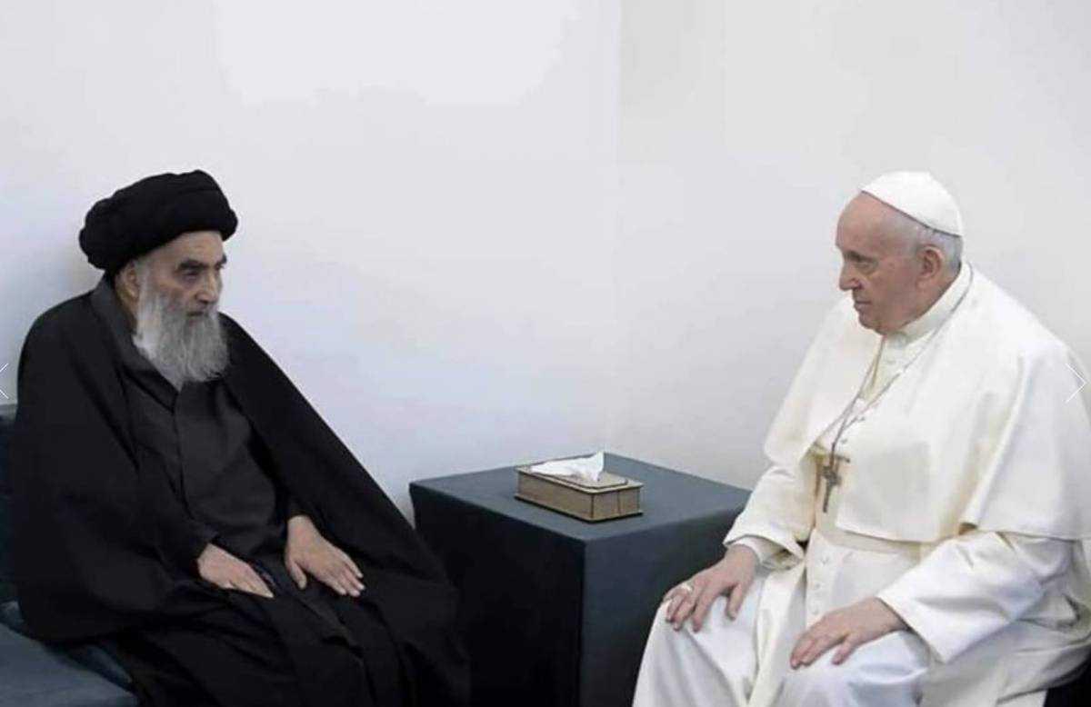 """السيستاني خلال لقاء البابا يؤكد على ضرورة أن يعيش مسيحيو العراق في """"أمن وسلام"""""""