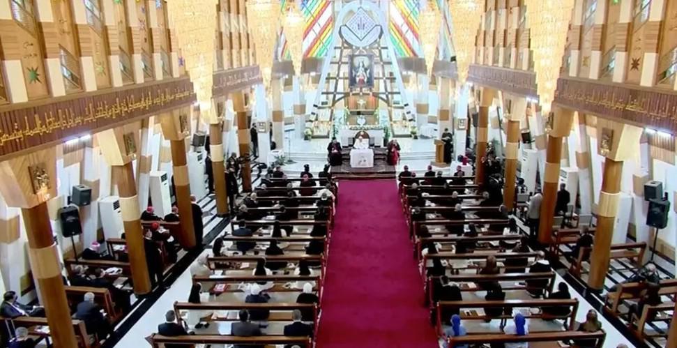 البابا يتوجه الى مسيحيي العراق من كاتدرائية سيدة النجاة التي استهدفت باعتداء دام في 2010