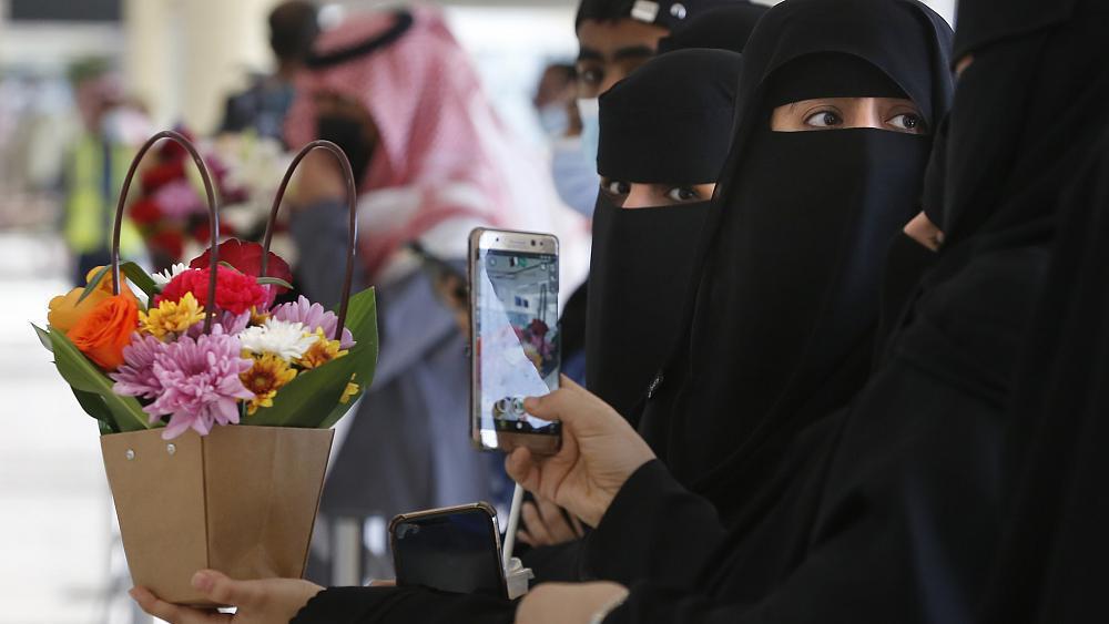 هيومن رايتس ووتش تندد بنظام ولاية الرجل في قطر