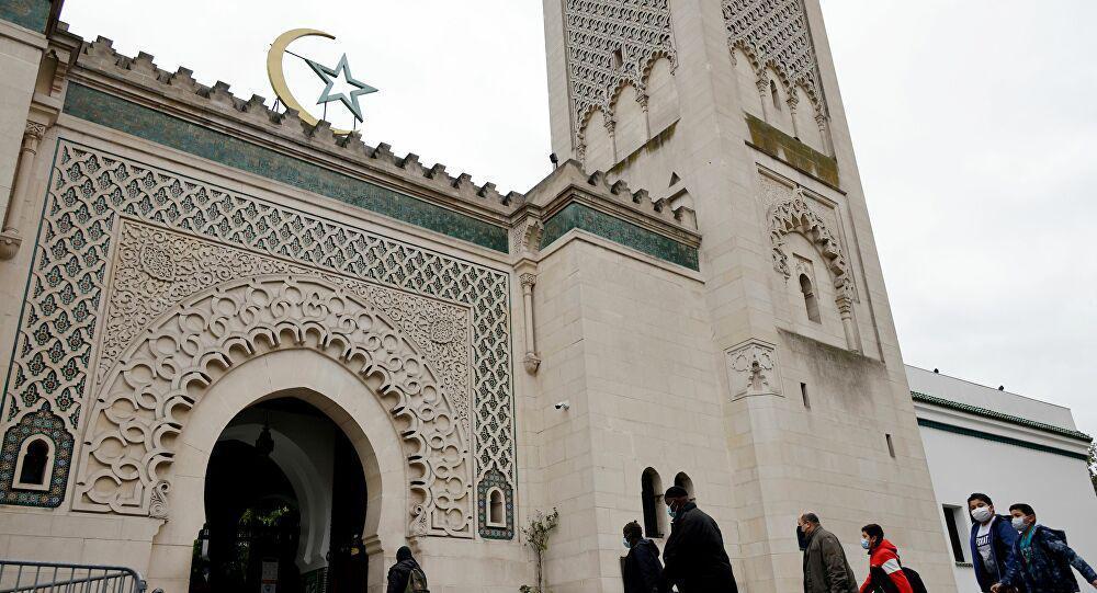مسجد باريس الكبير يعلن أن شهر رمضان يبدأ في فرنسا الثلاثاء
