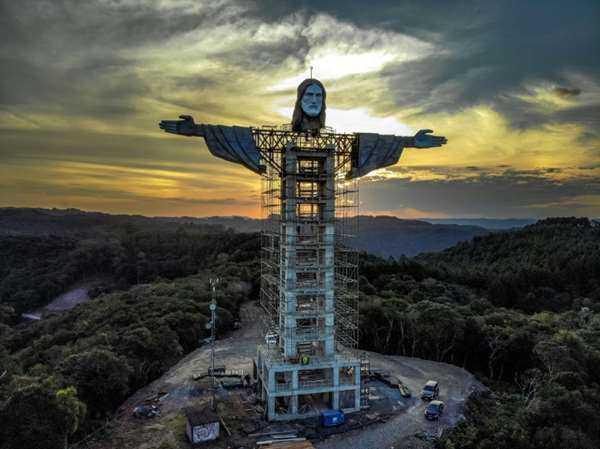 تمثال جديد للمسيح في البرازيل أعلى من مثيله في ريو دي جانيرو