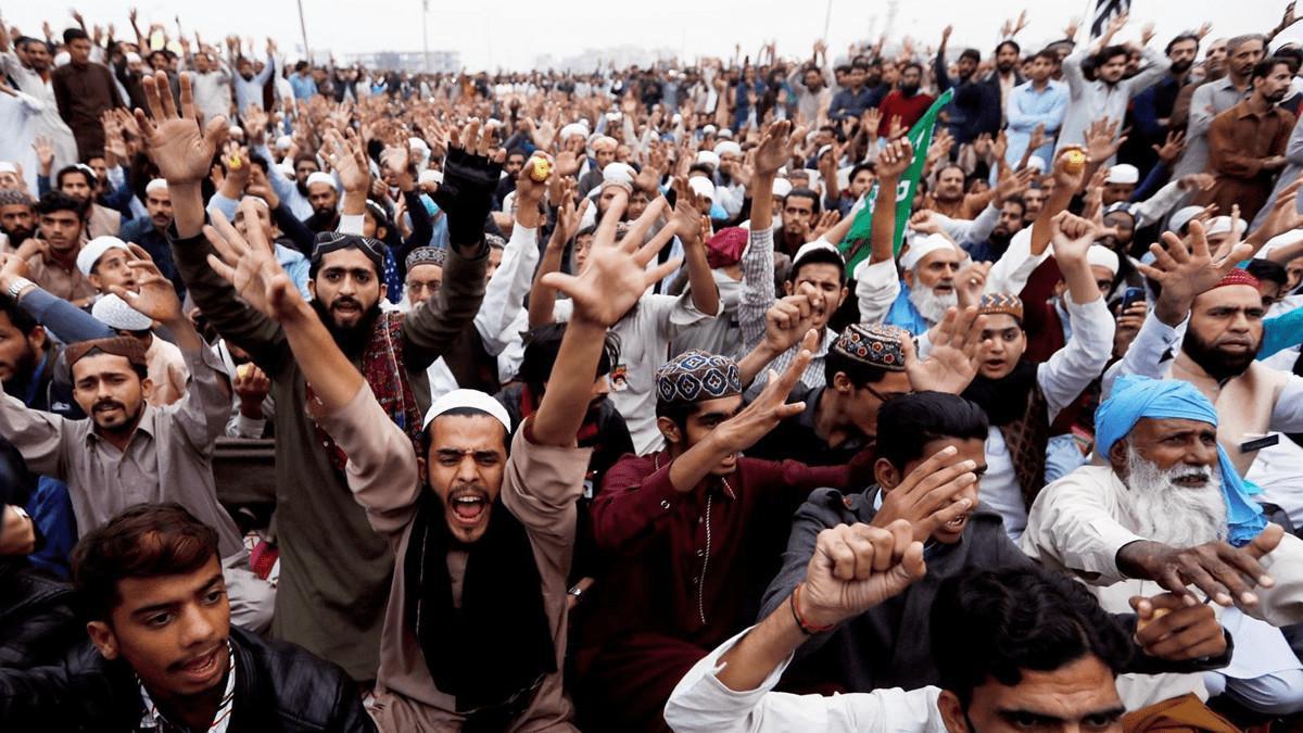 باكستان تعتزم حظر حزب إسلامي إثر تظاهرات عنيفة مناهضة لفرنسا