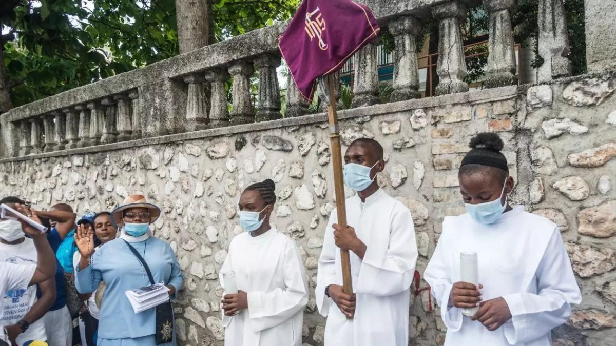 توقف النشاطات الاقتصادية والتعليمية دعما للكنيسة الكاثوليكية في هايتي