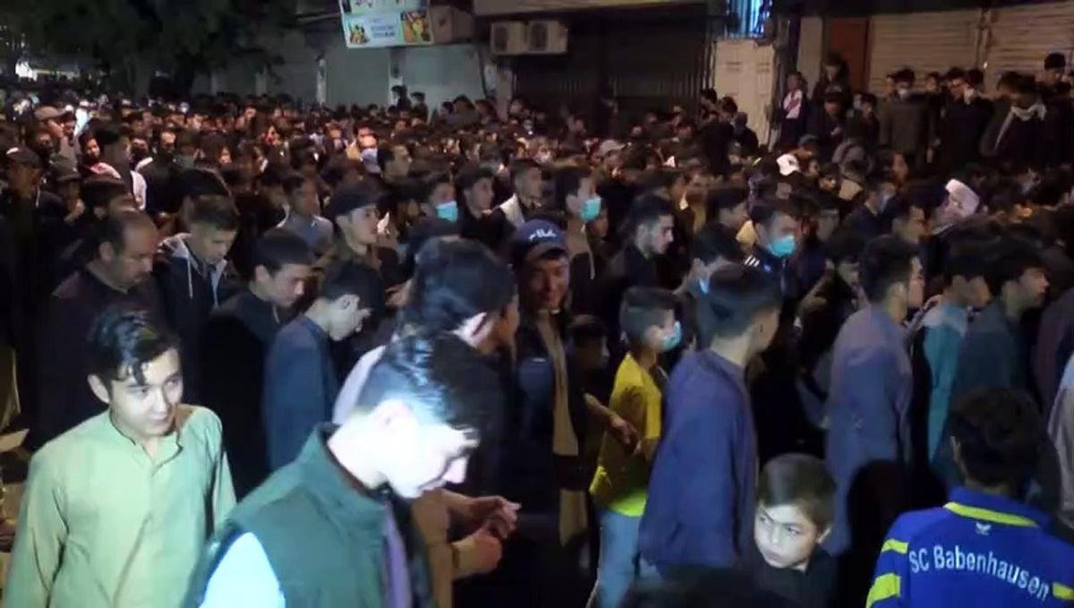 آلاف الشيعة يحيون ذكرى وفاة الإمام علي في باكستان رغم ارتفاع الاصابات بكوفيد