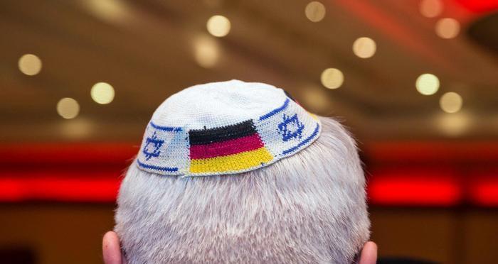 ألمانيا تتعهد حماية المعابد اليهودية إثر تظاهرات مناهضة لإسرائيل
