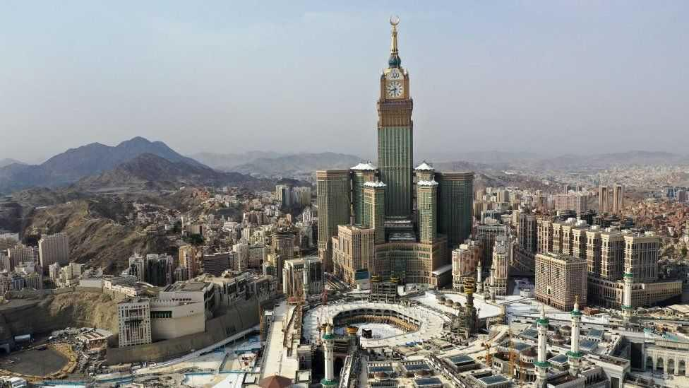 السعودية ماضية في تغيير صورتها وقرار بتخفيف استخدام مكبرات صوت المساجد يثير جدلا
