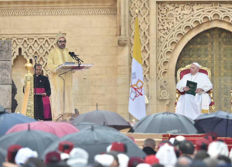 جلالة الملك يهنئ البابا فرانسيس على نجاح العملية الجراحية التي أجريت له
