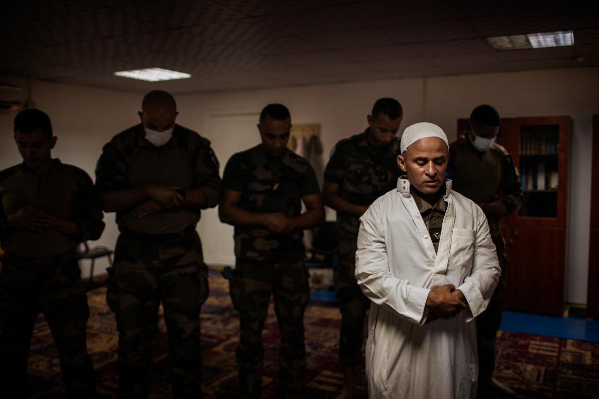 الجيش الفرنسي ينجح في دمج المسلمين