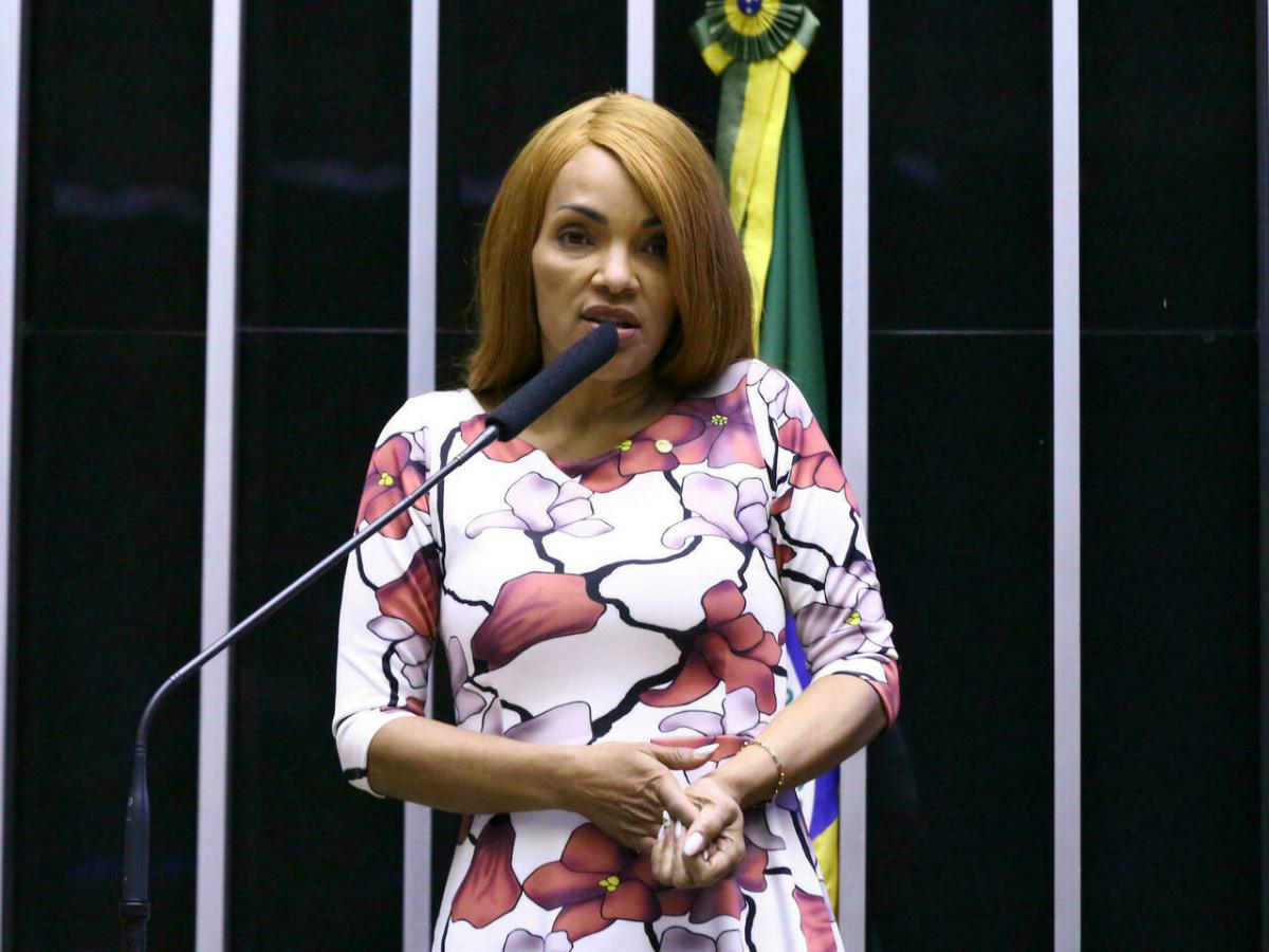 مجلس النواب البرازيلي يجرد نائبة من مقعدها بعد توجيه الاتهام اليها بقتل زوجها