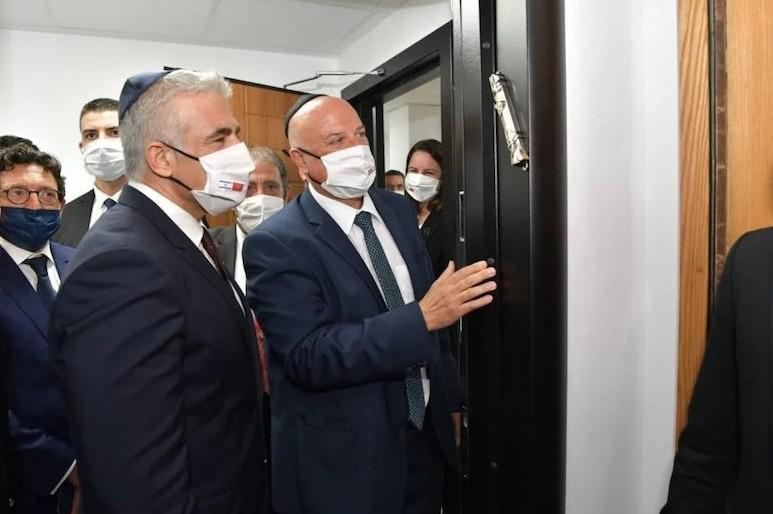وزير الشؤون الخارجية الإسرائيلي يزور كنيس بيت إيل بالدار البيضاء