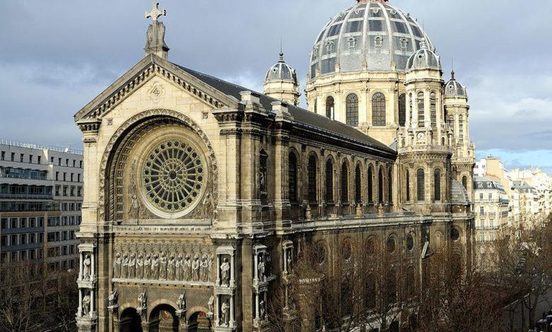 الكنيسة الكاثوليكية الفرنسية تشعر بالعار والهول للانتهاكات الجنسية في حق أطفال وتطلب الصفح
