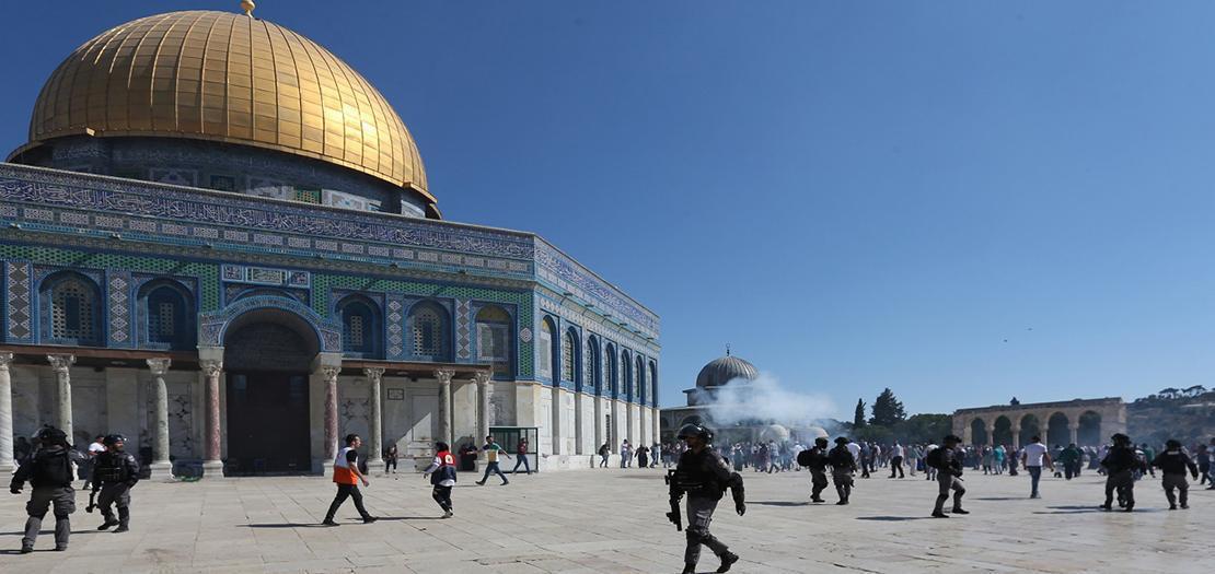 """قرار صادر عن محكمة إسرائيلية يمهد الطريق لليهود لأداء صلوات """"صامتة"""" في باحات المسجد الأقصى"""