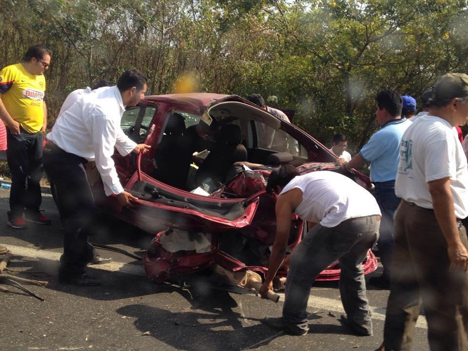 Accidente fuerte en vía rápida Tuxtla - San Cristóbal.