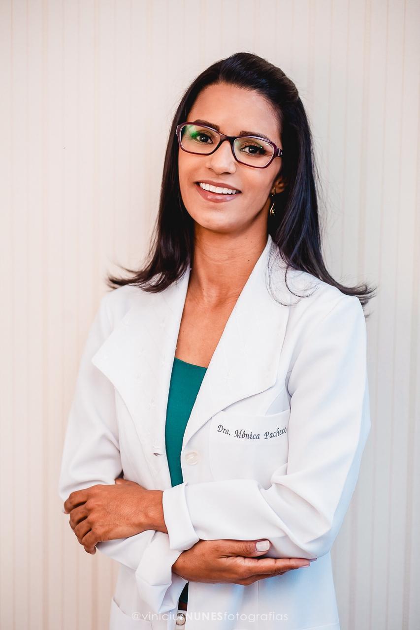 Mônica Vieira Pacheco - CRM- ES 8957